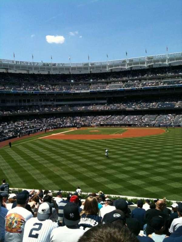 Yankee Stadium, secção: 203, fila: 16, lugar: 10
