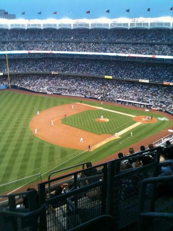 Yankee Stadium, secção: 430, fila: 8, lugar: 4