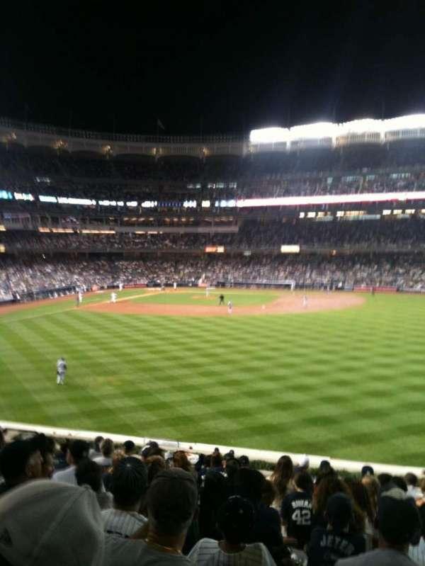 Yankee Stadium, secção: 203, fila: 14, lugar: 10