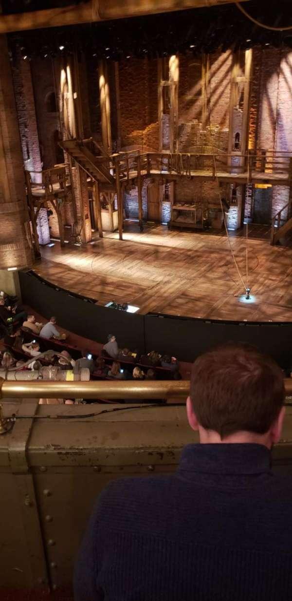 CIBC Theatre, secção: Mezzanine R, fila: B, lugar: 4