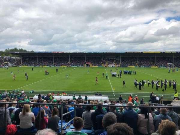 Semple Stadium, secção: 205, fila: E, lugar: 13