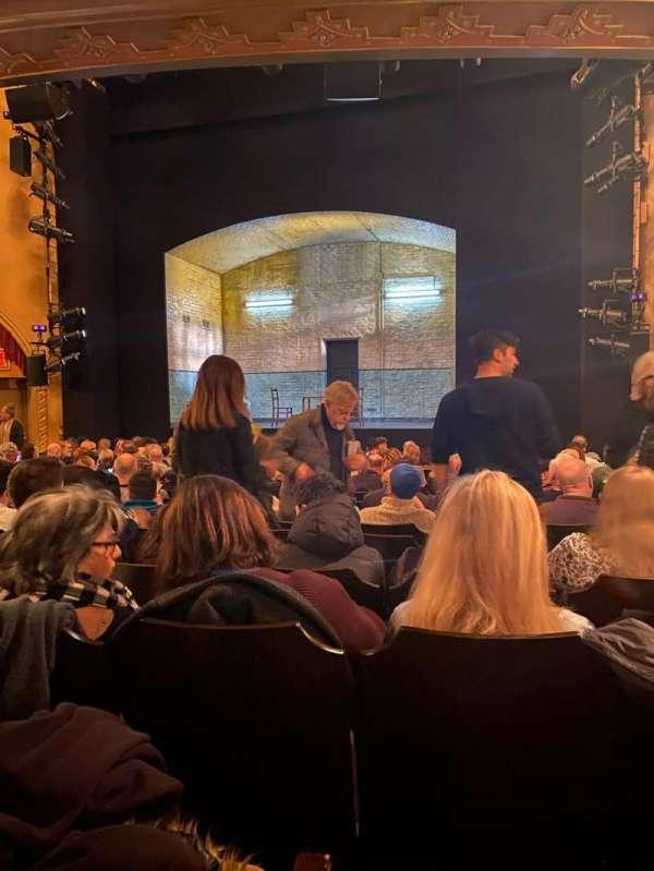 John Golden Theatre, secção: Orchestra C, fila: O, lugar: 102