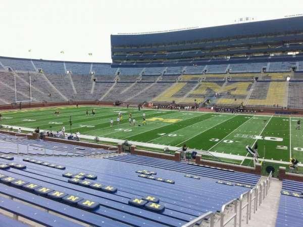 Michigan Stadium, secção: 21, fila: 30, lugar: 13