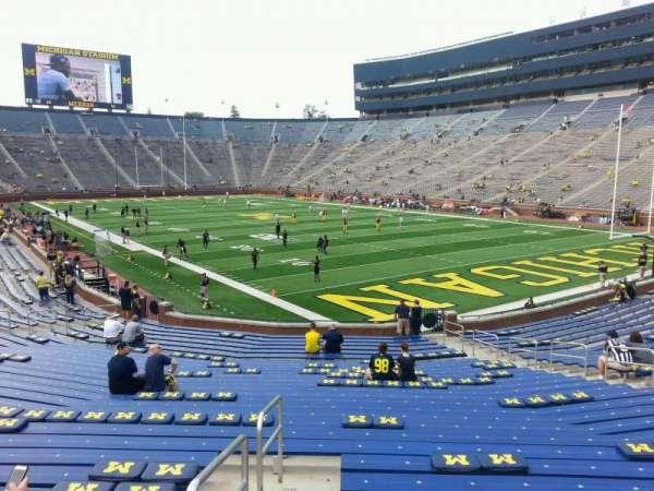 Michigan Stadium, secção: 38, fila: 30, lugar: 9