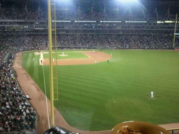 Guaranteed Rate Field, secção: stadium club