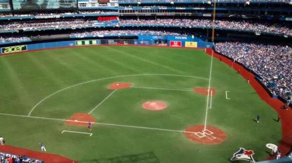 Rogers Centre, secção: 527R, fila: 3, lugar: 5