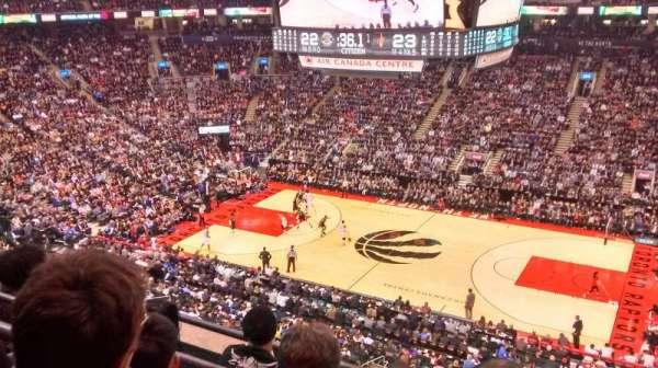 Scotiabank Arena, secção: 320, fila: 4, lugar: 7