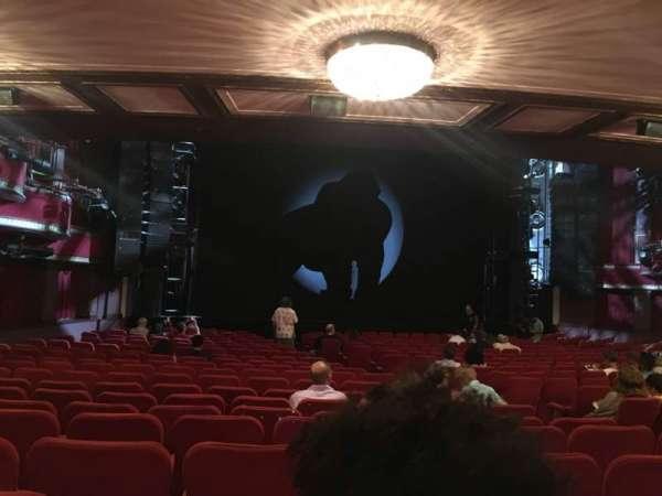 Broadway Theatre - 53rd Street, secção: Orchestra L, fila: U, lugar: 12