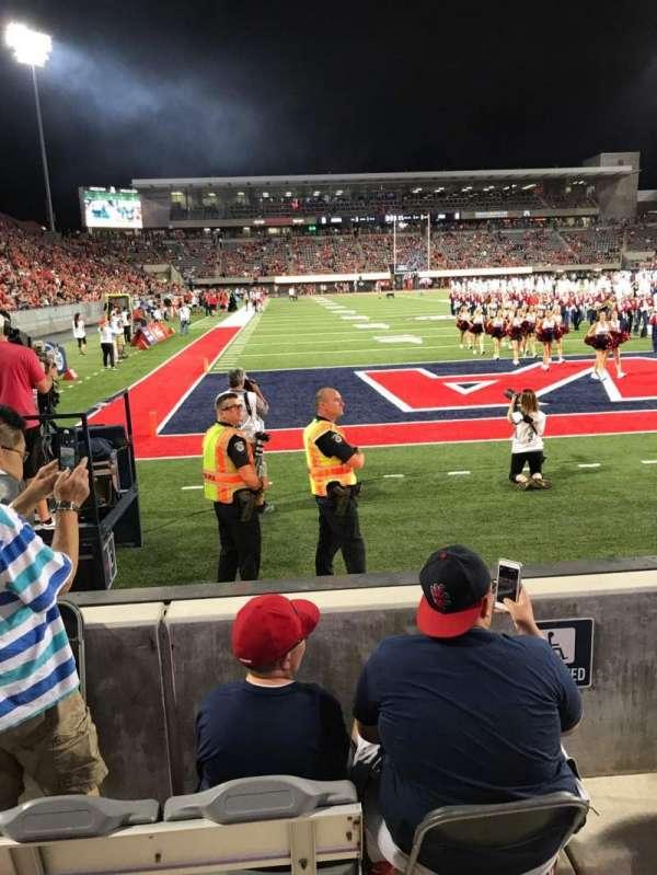 Arizona Stadium, secção: 13, fila: 2, lugar: 27
