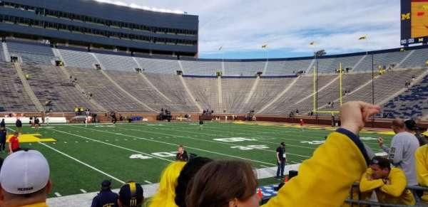 Michigan Stadium, secção: 1, fila: 2, lugar: 12
