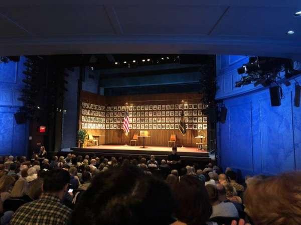 Hayes Theater, secção: Orchestra R, fila: Q, lugar: 8