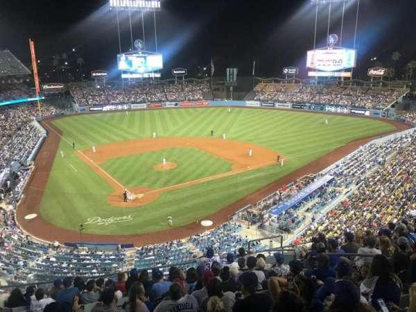 Dodger Stadium, secção: 4RS, fila: L, lugar: 11