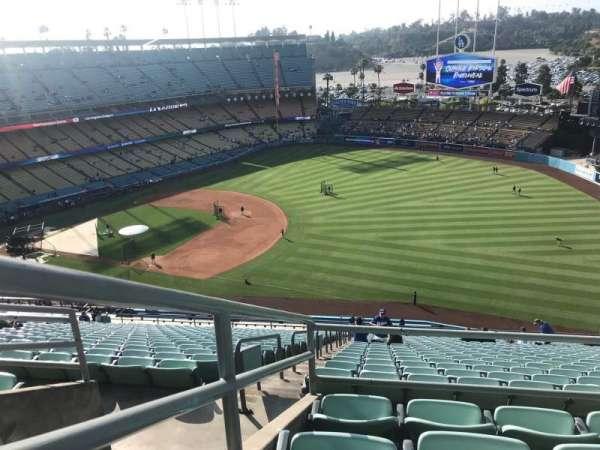 Dodger Stadium, secção: 30RS, fila: DD, lugar: 14