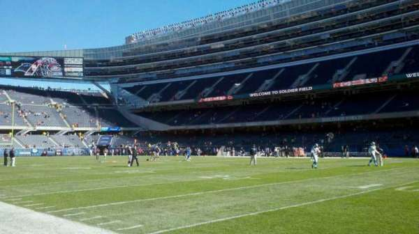 Soldier Field, secção: field, west sideline