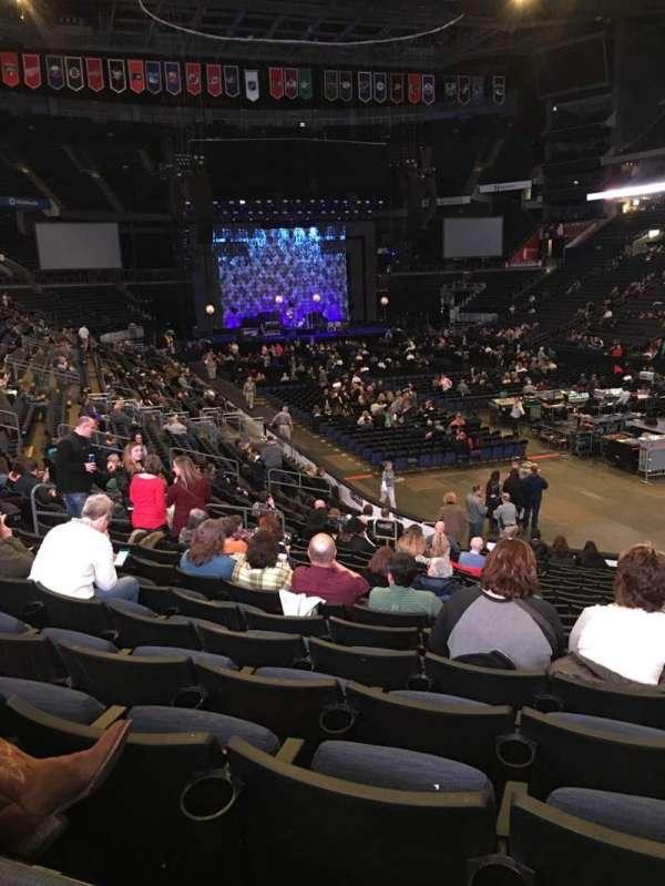 Nationwide Arena, secção: 111, fila: U, lugar: 8
