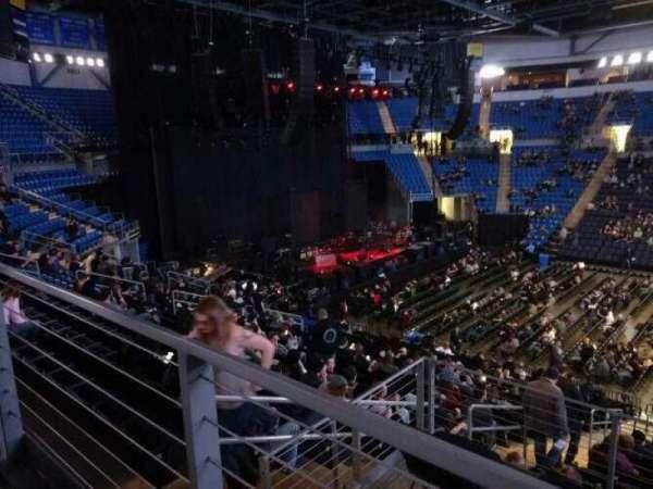 Chaifetz Arena, secção: 214, fila: A, lugar: 9