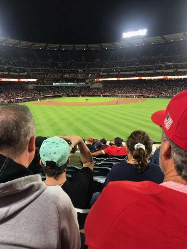 Angel Stadium, secção: P239, fila: M, lugar: 17