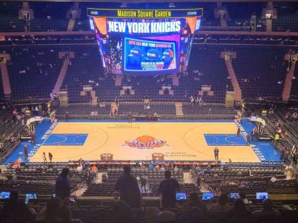 Madison Square Garden, secção: 211, fila: 15, lugar: 13