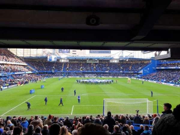 Stamford Bridge, secção: Matthew Harding Lower, fila: DD, lugar: 97