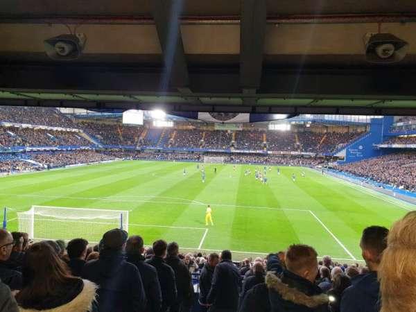 Stamford Bridge, secção: Matthew Harding Lower, fila: DD, lugar: 54