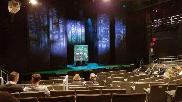 Laura Pels Theatre, secção: Orchestra, fila: N, lugar: 9