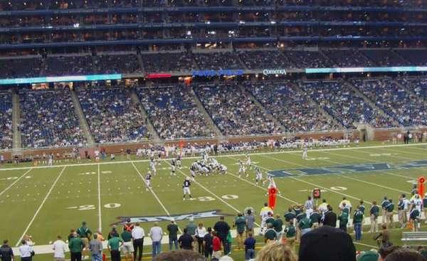 Ford Field, secção: 125, fila: 23