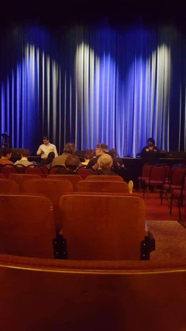 Chicago Theatre, secção: MNFL4L, fila: EE, lugar: 401