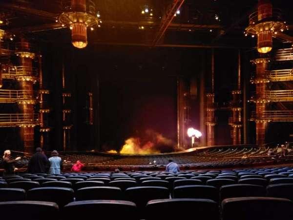 KÀ Theatre - MGM Grand, secção: 202, fila: mm, lugar: 5