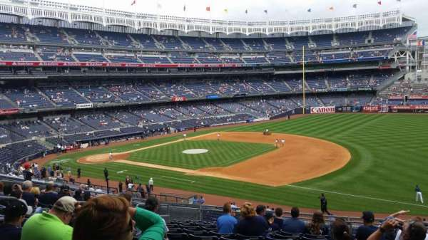 Yankee Stadium, secção: 213, fila: 12, lugar: 9