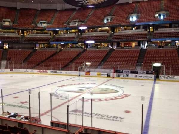 Honda Center, secção: 221, fila: K, lugar: 8