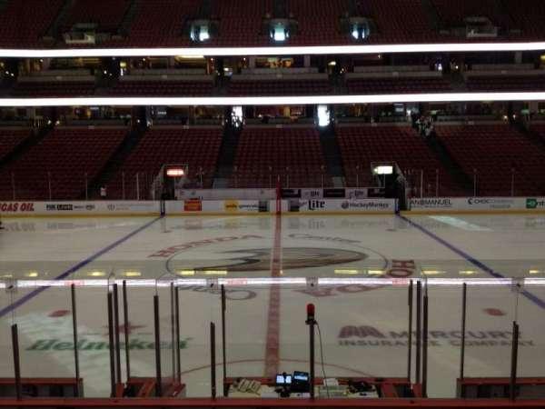 Honda Center, secção: 222, fila: L, lugar: 7