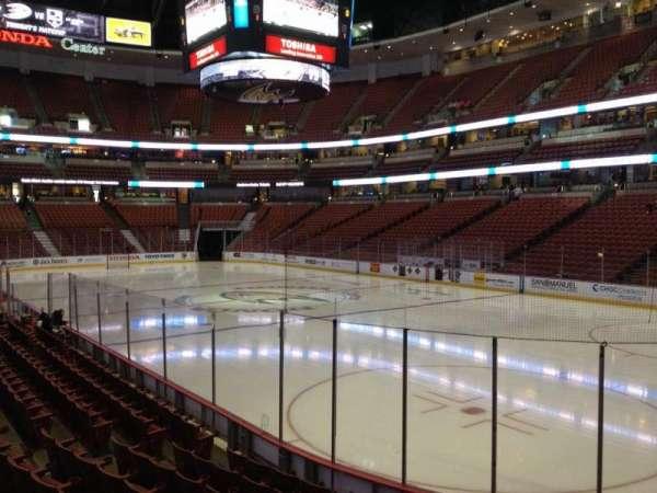 Honda Center, secção: 204, fila: K, lugar: 6