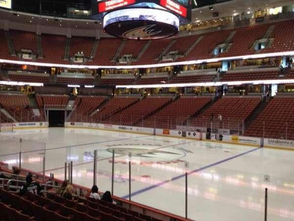 Honda Center, secção: 206, fila: K, lugar: 8