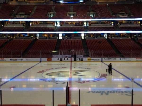 Honda Center, secção: 208, fila: K, lugar: 7