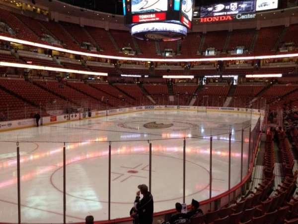 Honda Center, secção: 213, fila: K, lugar: 6