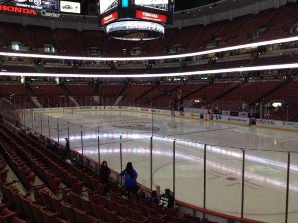 Honda Center, secção: 218, fila: K, lugar: 6