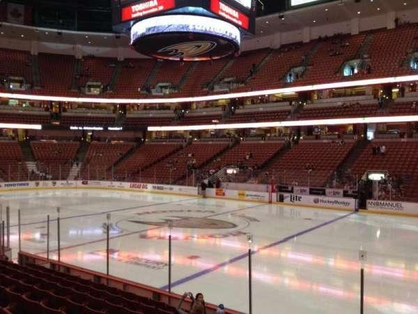 Honda Center, secção: 220, fila: K, lugar: 8