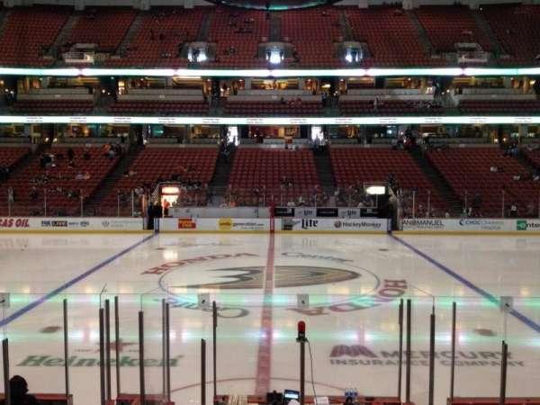 Honda Center, secção: 222, fila: K, lugar: 7