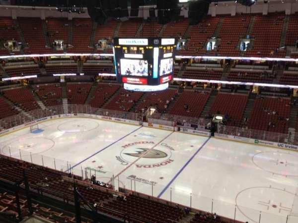 Honda Center, secção: 431, fila: H, lugar: 7