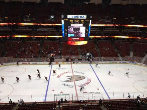Honda Center, secção: 434, fila: H, lugar: 4
