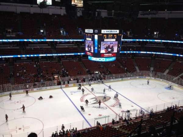 Honda Center, secção: 436, fila: H, lugar: 7