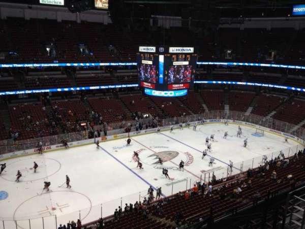 Honda Center, secção: 437, fila: H, lugar: 6