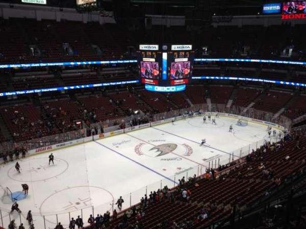 Honda Center, secção: 438, fila: H, lugar: 6