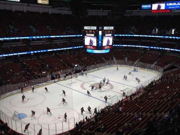 Honda Center, secção: 439, fila: H, lugar: 7
