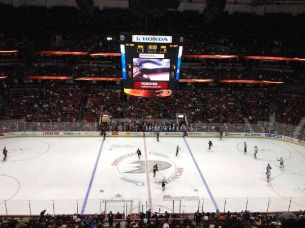 Honda Center, secção: 434, fila: H, lugar: 1