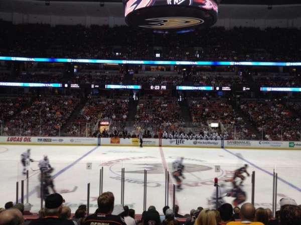 Honda Center, secção: 222, fila: M, lugar: 10