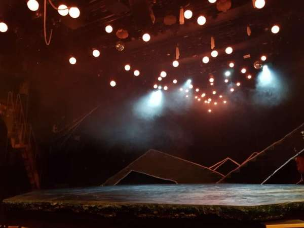 Bridge Theatre, secção: Stalls, fila: E, lugar: 10
