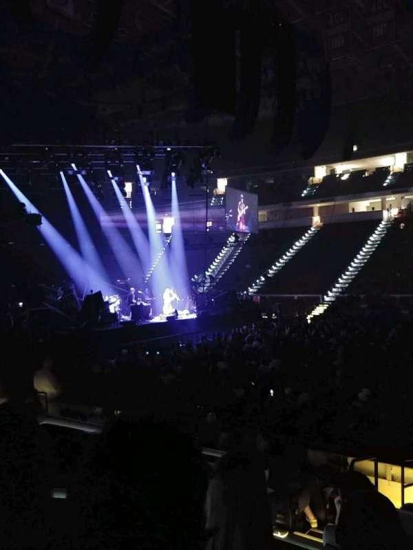 PNC Arena, secção: 103, fila: k, lugar: 12