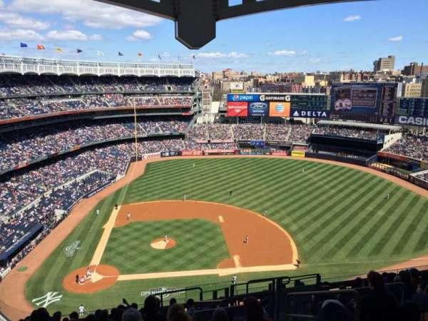 Yankee Stadium, secção: 417, fila: 12, lugar: 6