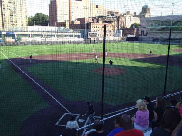 Long Island University Field, secção: N/A, fila: N/A, lugar: N/A